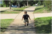 nene andando